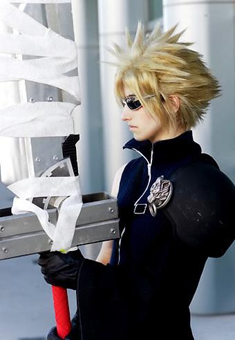 Les plus beaux cosplay (tout thème) 2-Final-Fantasy-VII-Cloud-Strife