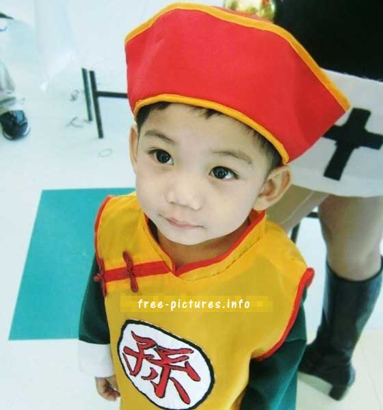 This time something amazing makes him focus. But what we focus is his cute appearance with the Son Goku cosplay costume right?  sc 1 st  Miccostumes.com & Best Kids Cosplay u2013 Find Good Cosplay Ideas for Your Kids u2013 The ...