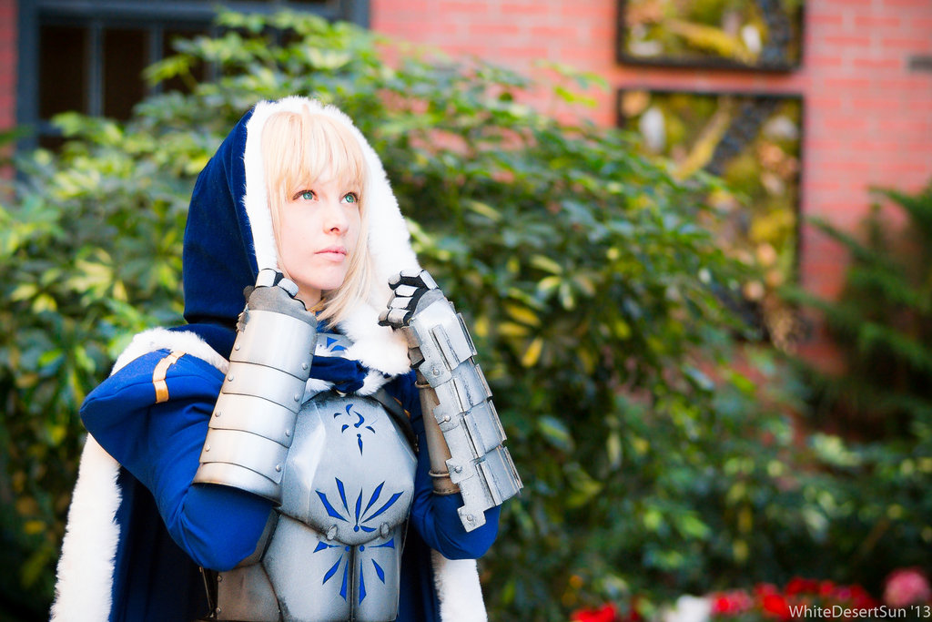 saber_cosplay__light_above_me_by_ashelikescake-d5wy9e5