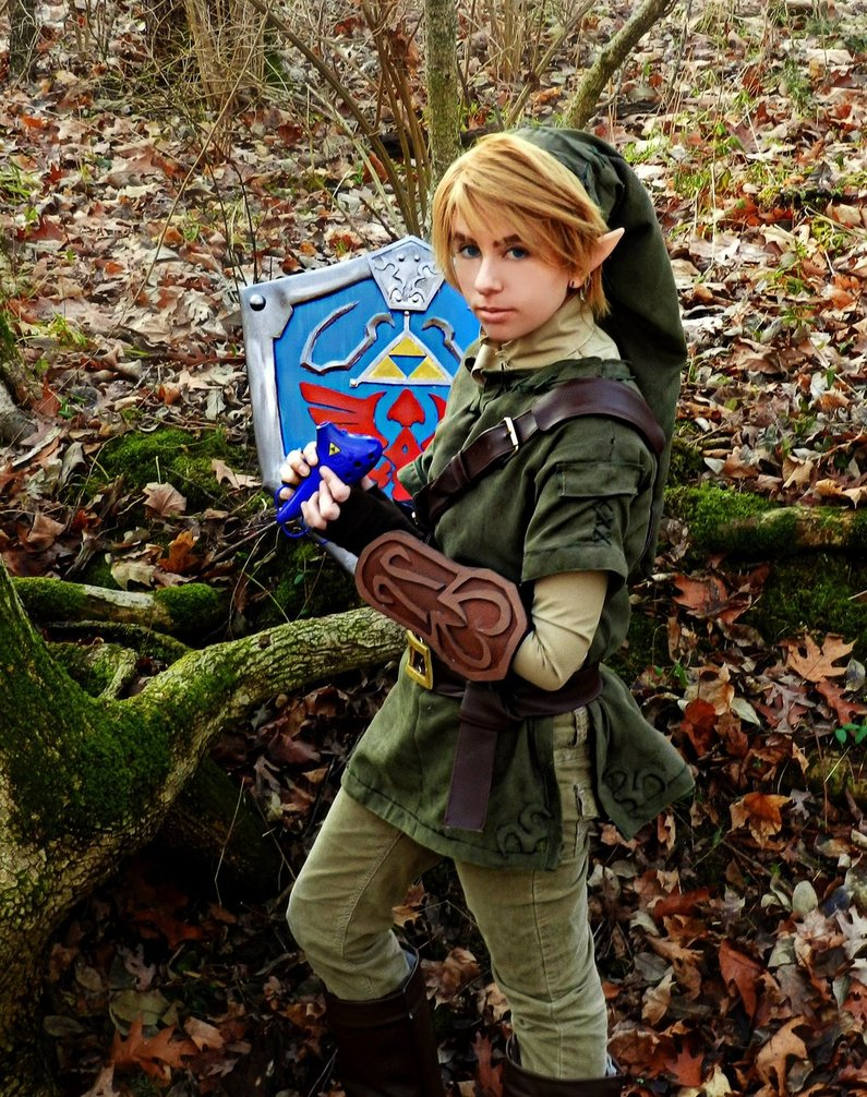 twilight_princess_link_cosplay_by_chelseycosplay-d5tvort